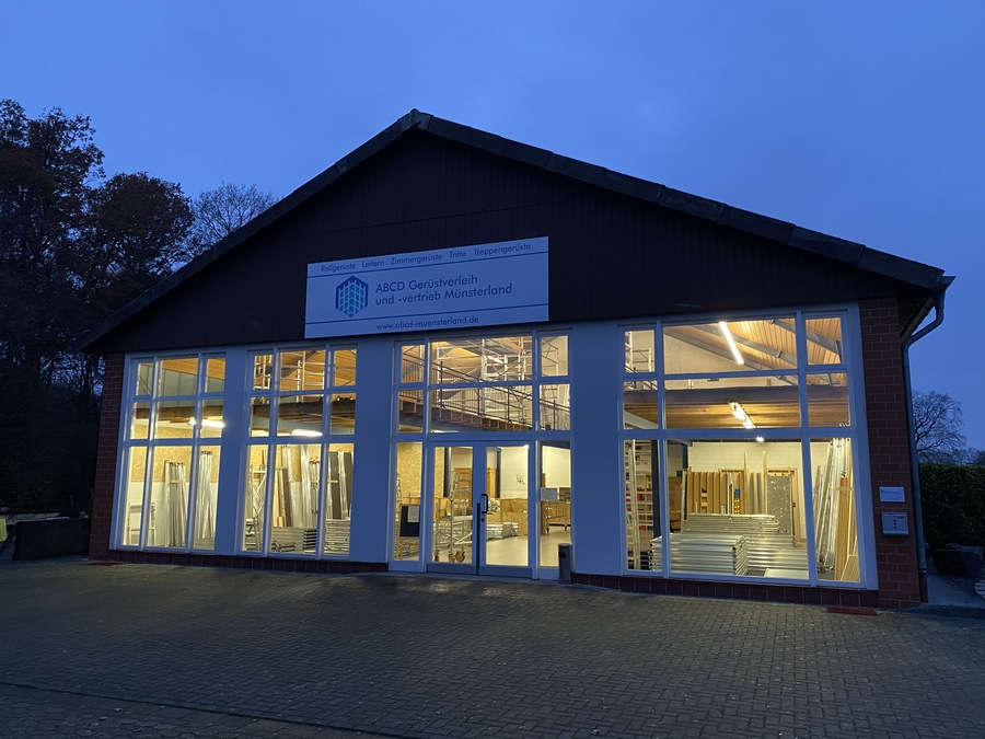 Nachtansicht Gebäude ABCD Gerüstverleih und -vertrieb Münsterland