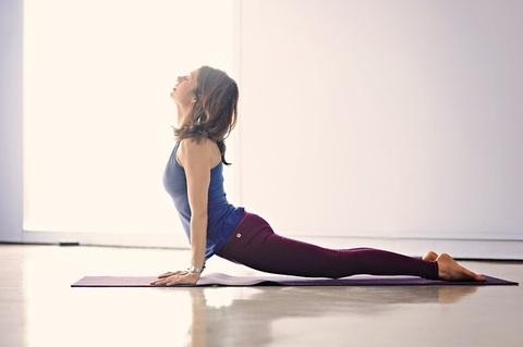 20200707-yoga-lehrgang--yogaclaurajuarezpixabay