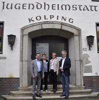 Landtagsabgeordnete besuchen Fachseminar für Altenpflege und Kita