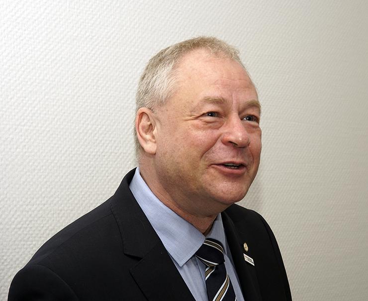 Führte die Preisverleihung durch: Ralf Heinz Weber - Vorstandsbeisitzer des Maler- und Lackiererinnungsverbandes Nordrhein
