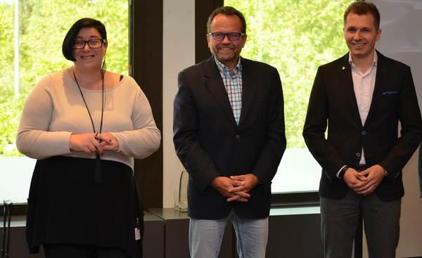von links nach rechts Vorstand Ursula Sombetzki-Günter, Jörg Bergmann und stv. Aufsichtsratsvorsitzender Michael Männing