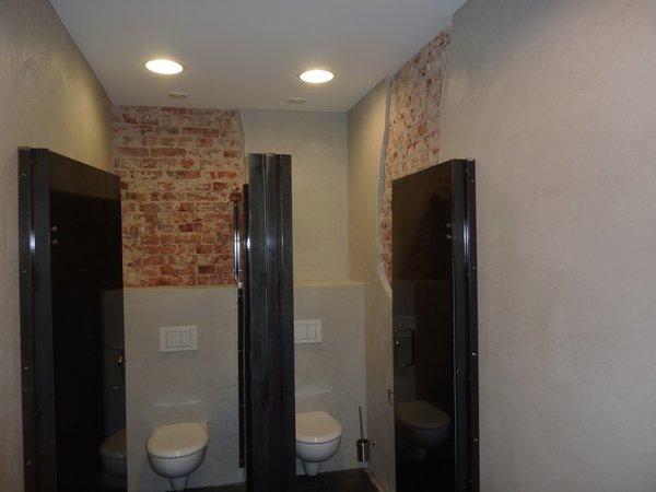 Gewerbliche Toilettenräume (Diesel Deutschland) – nachher