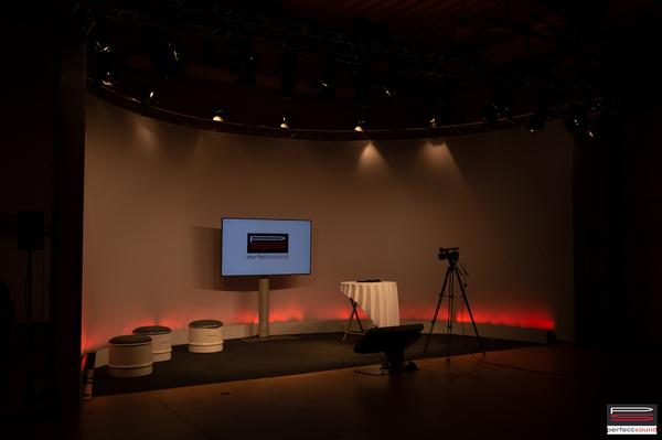 Online Studio Bühne