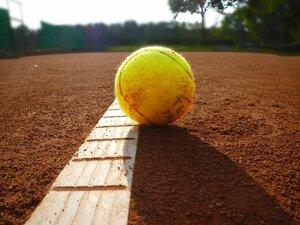 Tennis macht den Anfang