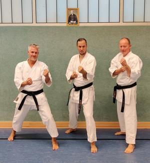 Erfolgreiche Schwarzgurtprüfung in der Karateabteilung